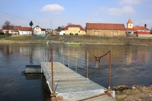 Fähre Bukol - Luzec - Quelle: Pavel Hrdlička, Wikipedia