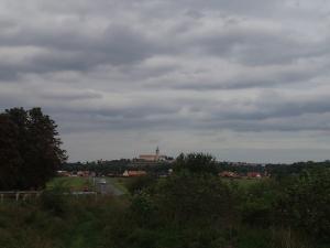 Blick auf das Kloster von Melnik - hier fliesst die Moldau in die Elbe, und damit beginnt für die Radfahrer von Prag her hier der eigentliche Elbradweg